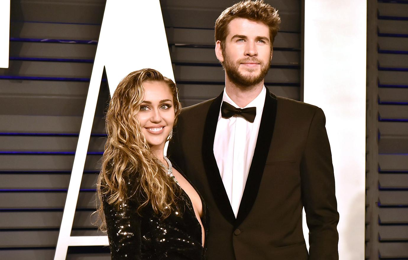 Miley-Cyrus-Liam-Hemsworth-2019