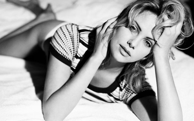 //charlize theron modeling guess jeans test shoot  photos