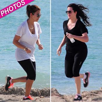 //kourtney khloe kardashian work out beach