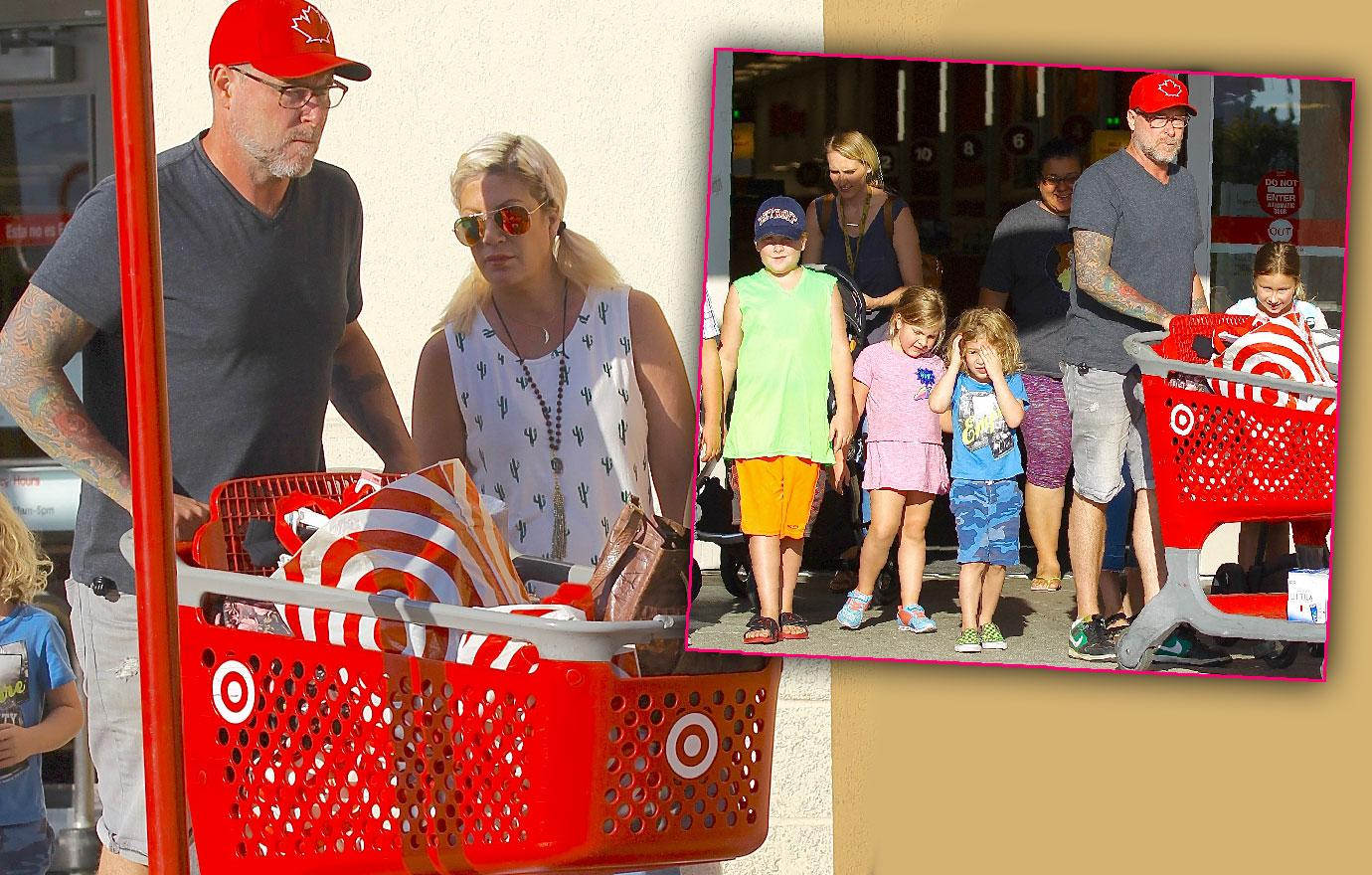 Tori Spelling Goes Shopping Back To School Supplies Money Problems