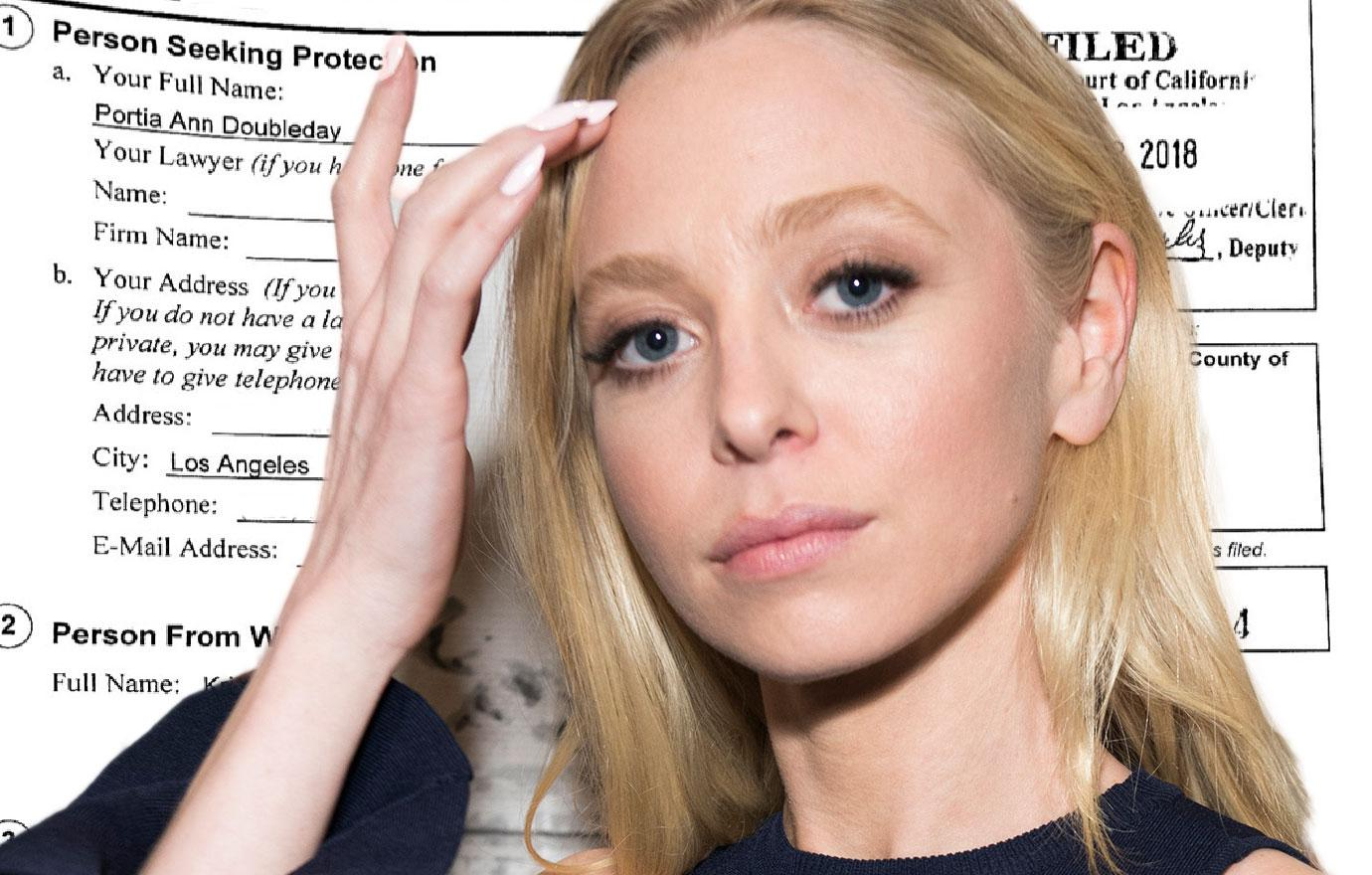 Mr Robot Star Portia Doubleday Claims She's Being Extorted