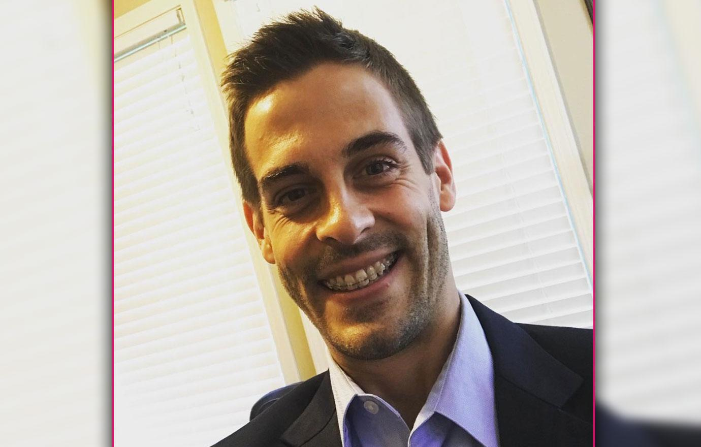 Unemployed Derick Dillard Brings His Kids To Law School