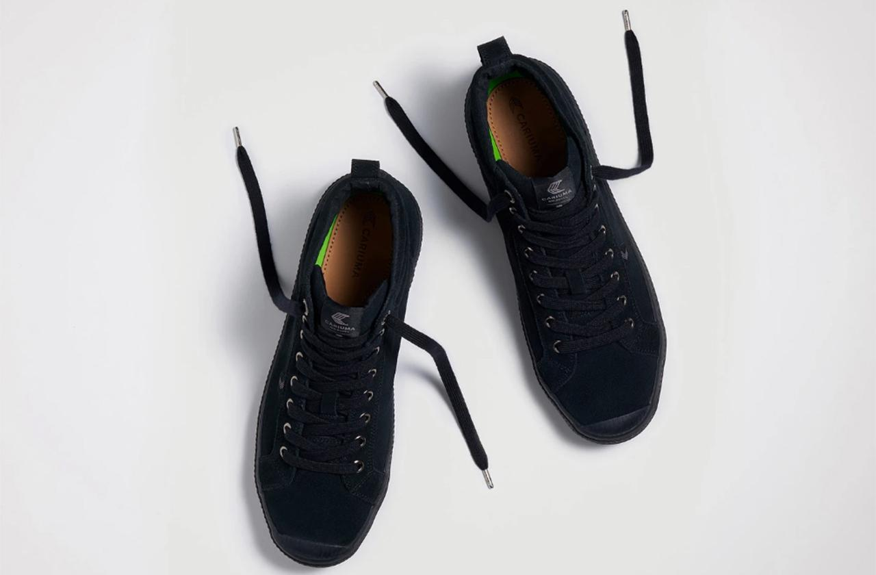 //cariuma sneakers