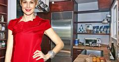 //kelly rutherford bungalow square