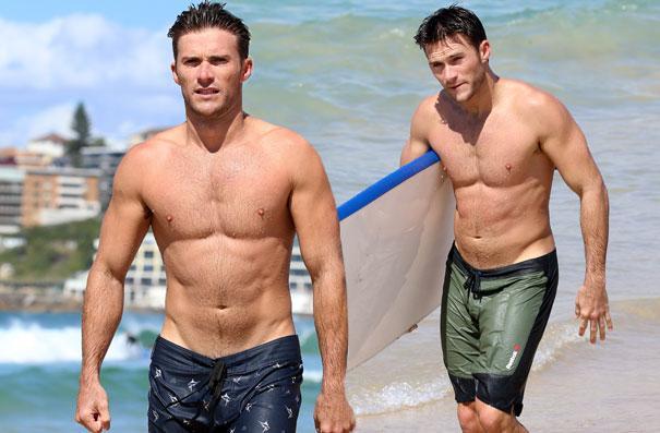 //scott eastwood shirtless bondi beach swimming pp