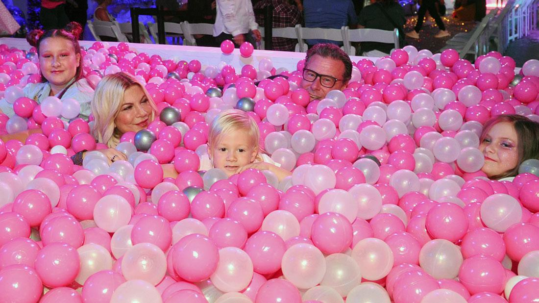 Drowning In Debt? Tori, Dean & Kids Sink In Pink Plastic Balls Amid Money Woes