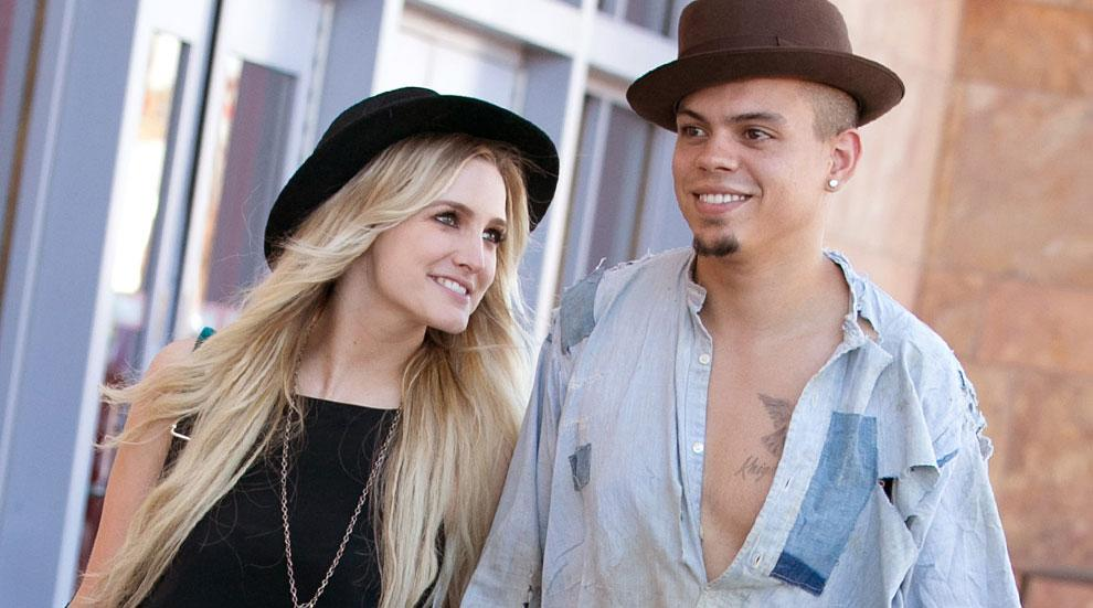 Evan Ross Ashlee Simpson Gives Birth Baby Girl