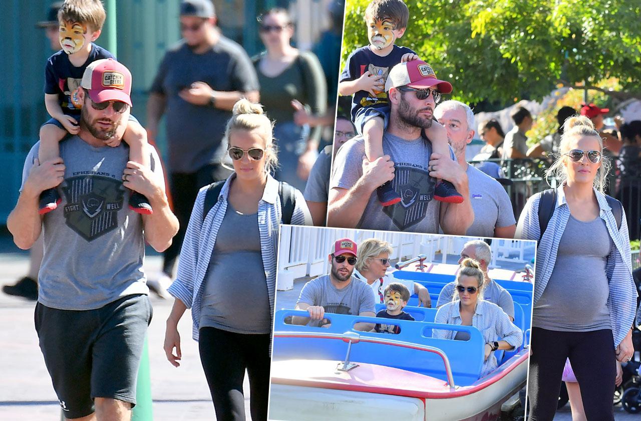 Carrie Underwood Pregnant Family Disneyland