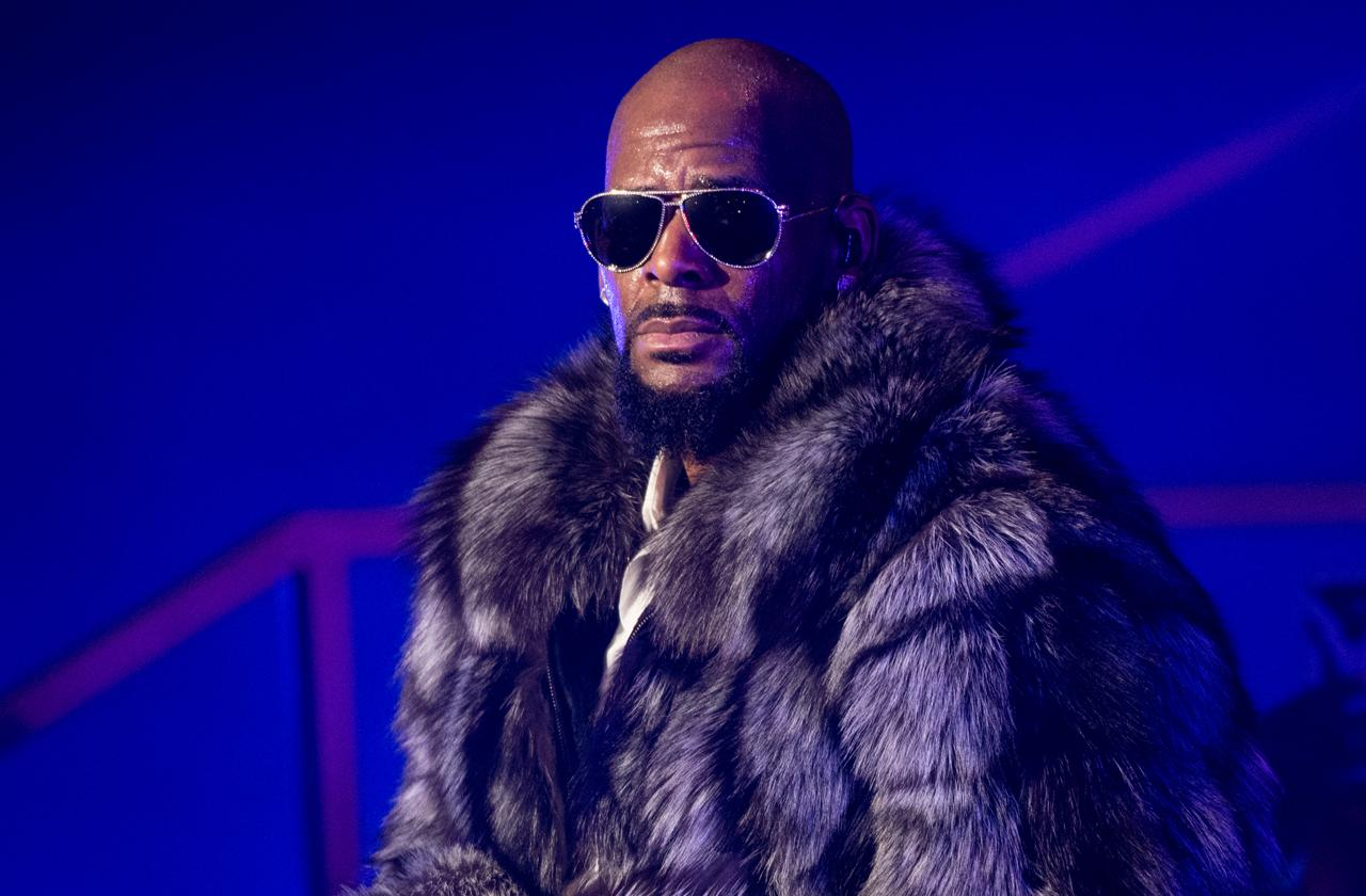 r kelly label dropped sony rca records rapper does not care