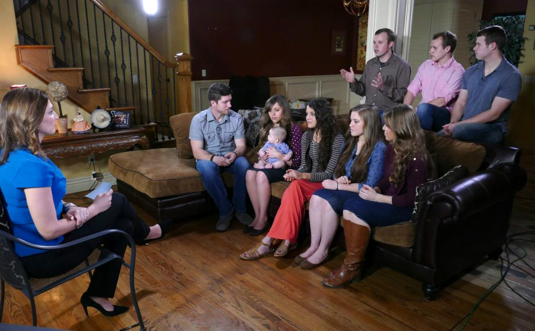 Paula Faris sat down exclusively with several of the Duggar children from their Arkansas home, for an interview airing on GOOD MORNING AMERICA. PAULA FARIS, BEN SEEWALD, JESSA SEEWALD, BABY SPURGEON, JINGER DUGGAR, JOY DUGGAR, JANA DUGGAR; (REAR) JOHN DAVID DUGGAR, JOSIAH DUGGAR, JOSEPH DUGGAR
