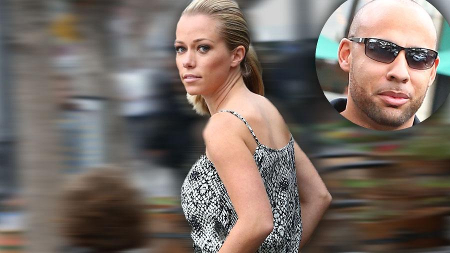 Kendra Wilkinson Marriage Over​