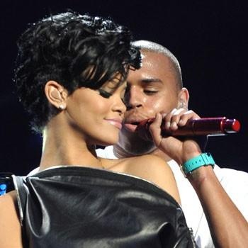//rihanna chris brown makeout splash