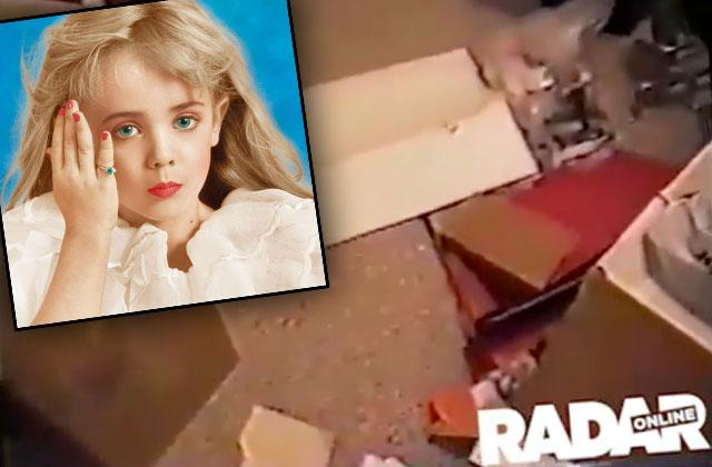 //jonbenét ramsey murder scene video camera footage