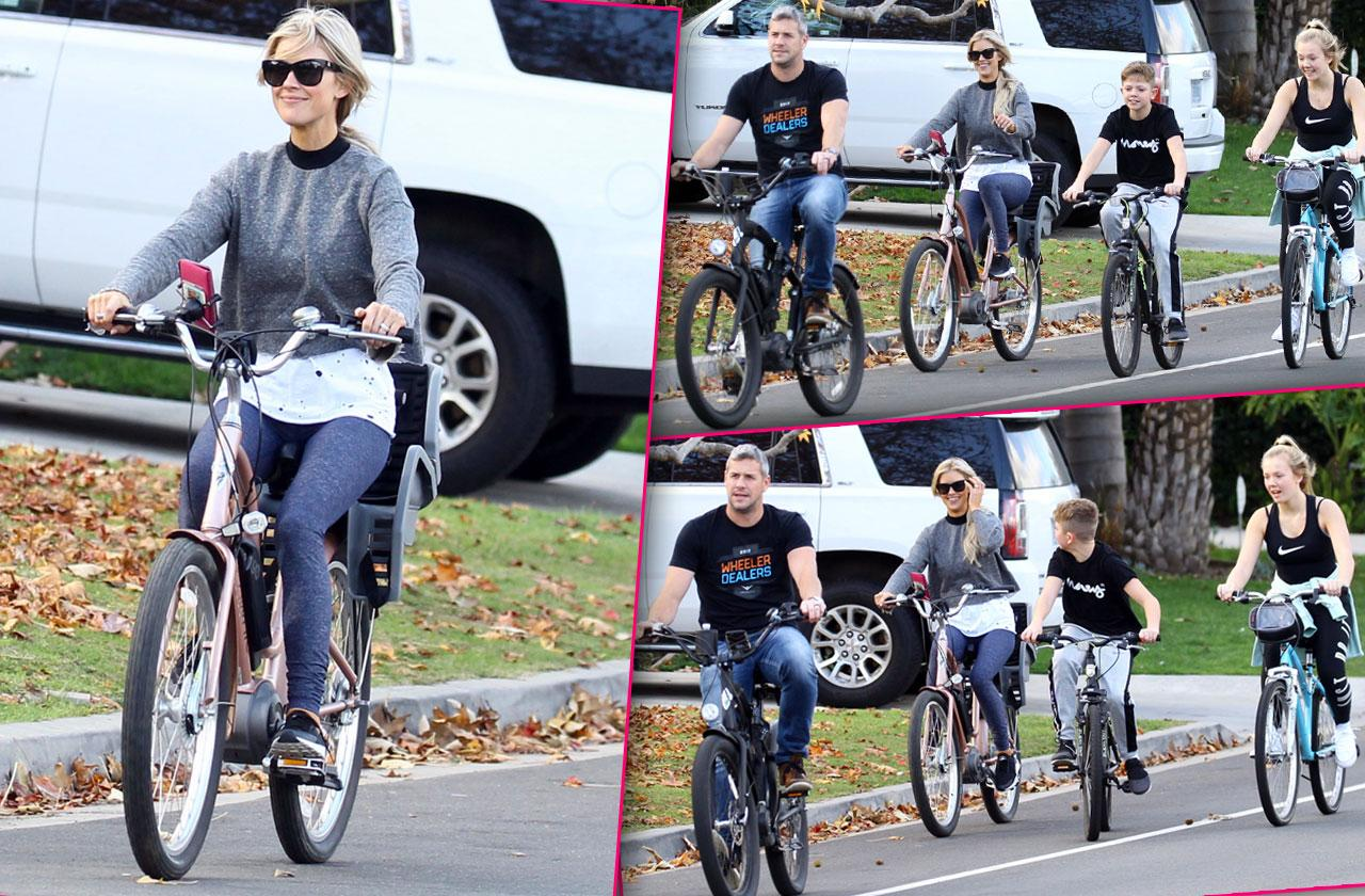 'Flip or Flop' star Christina El Moussa rides bikes on Christmas with new husband Ant.