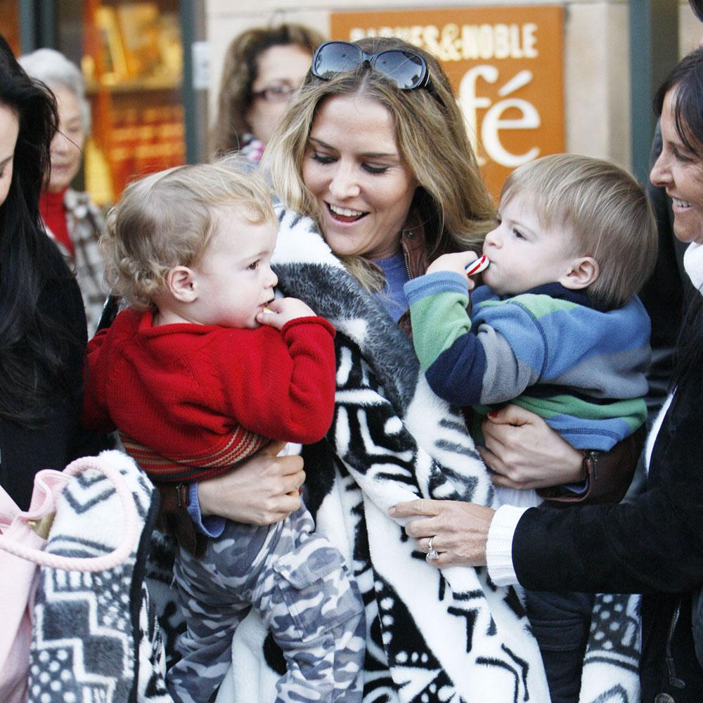 //brooke mueller and twins