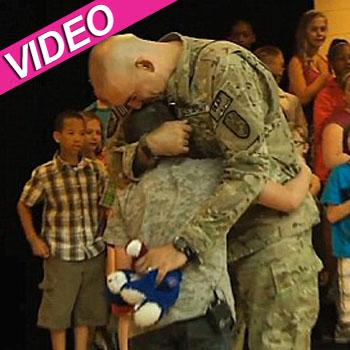 //soldier reunited son youtube