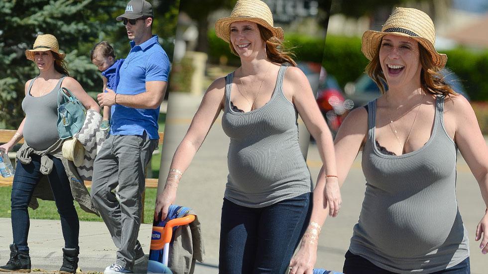 Jennifer Love Hewitt Pregnant Tank Top
