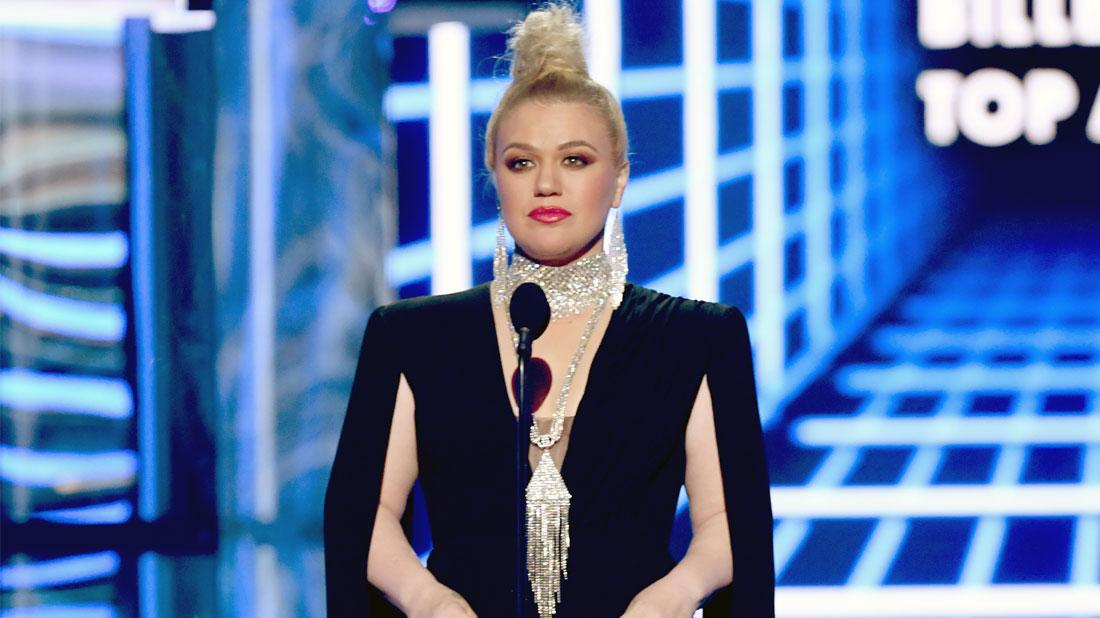 Kelly Clarkson Had Appendix Removal Surgery After Hosting BMAs