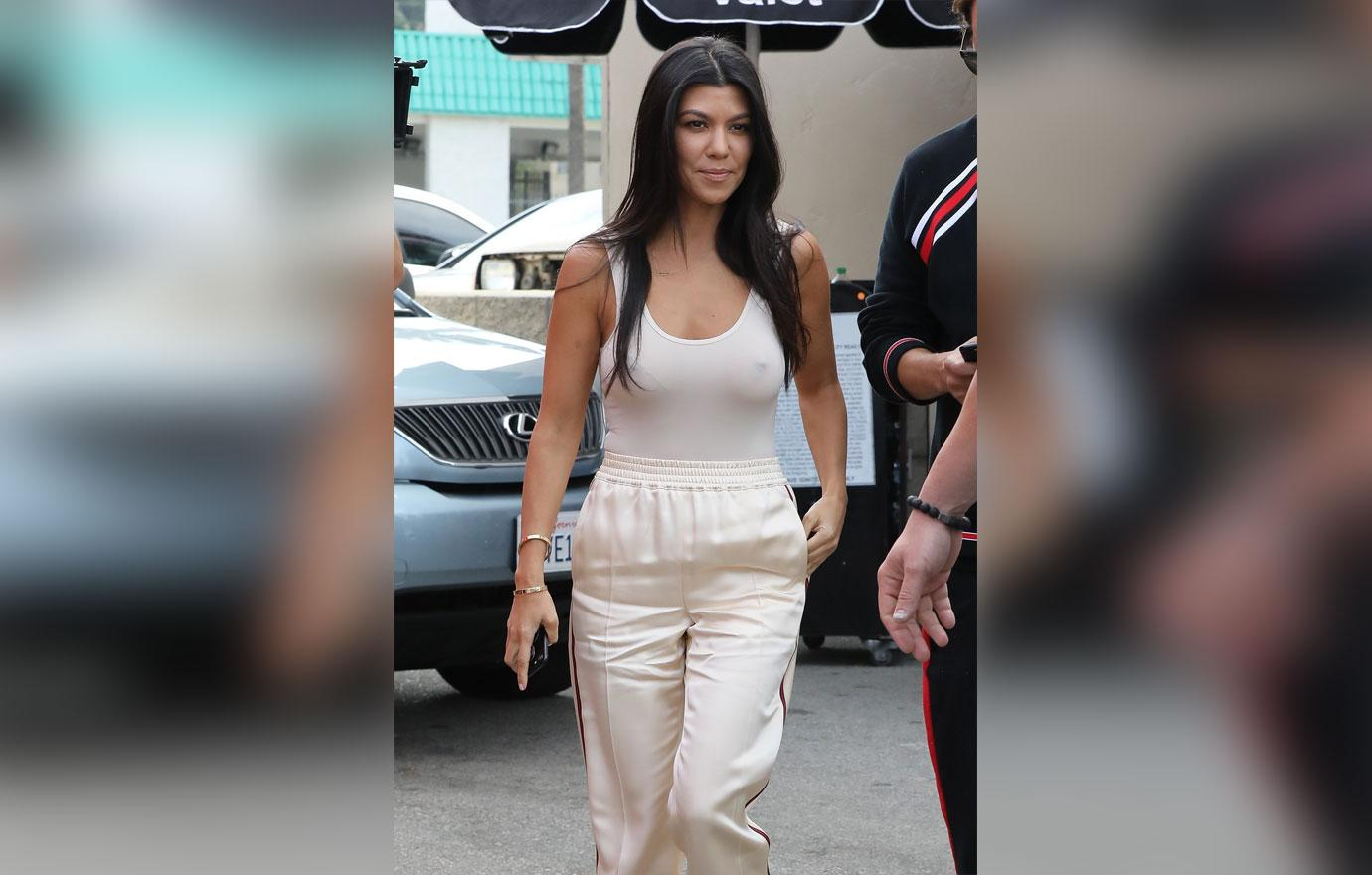 [PICS] Braless Kourtney Kardashian Bares Nipples While