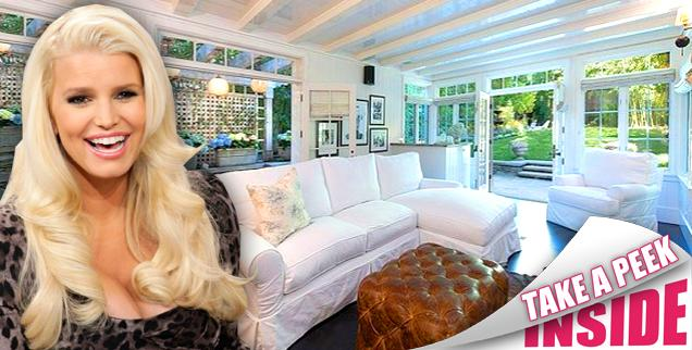 //jessica simpson sells beverly hills house