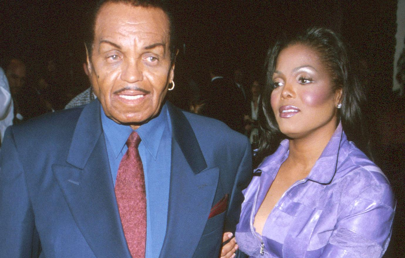 Janet Jackson Honors Dying Father Joe Jackson