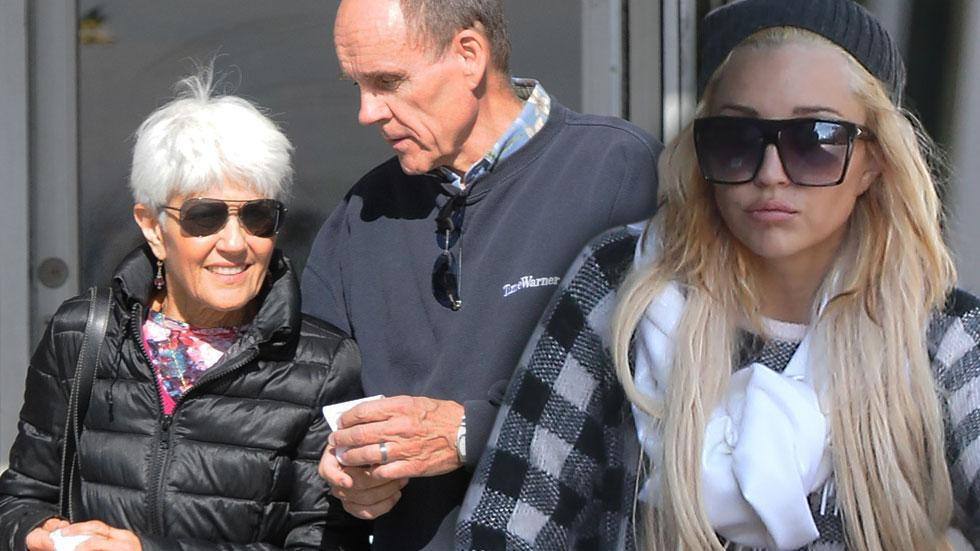 //amanda bynes and parents