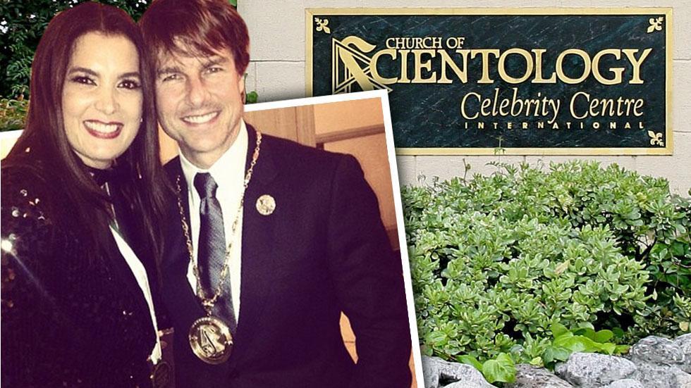 //tom cruise wearing scientology medal