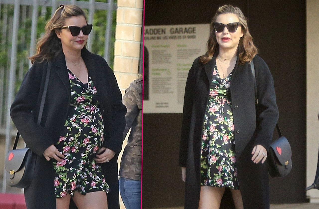 Miranda Kerr Pregnant Baby Bump