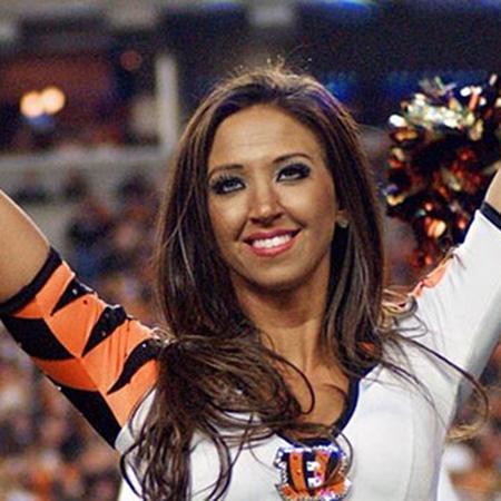 //sarah_jones_bengals_cheerleader