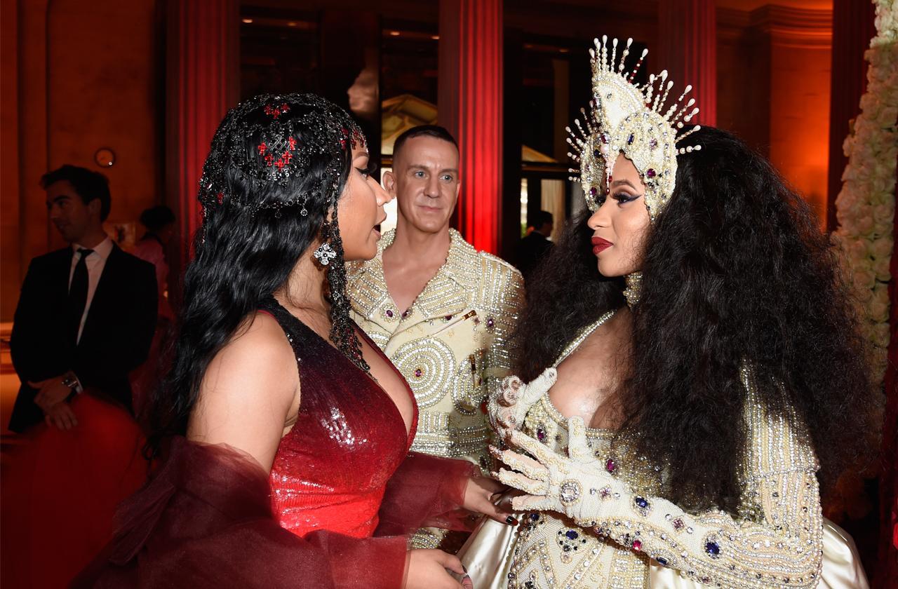 //Nicki Minaj attack cardi b brutal fight alleged assault pp