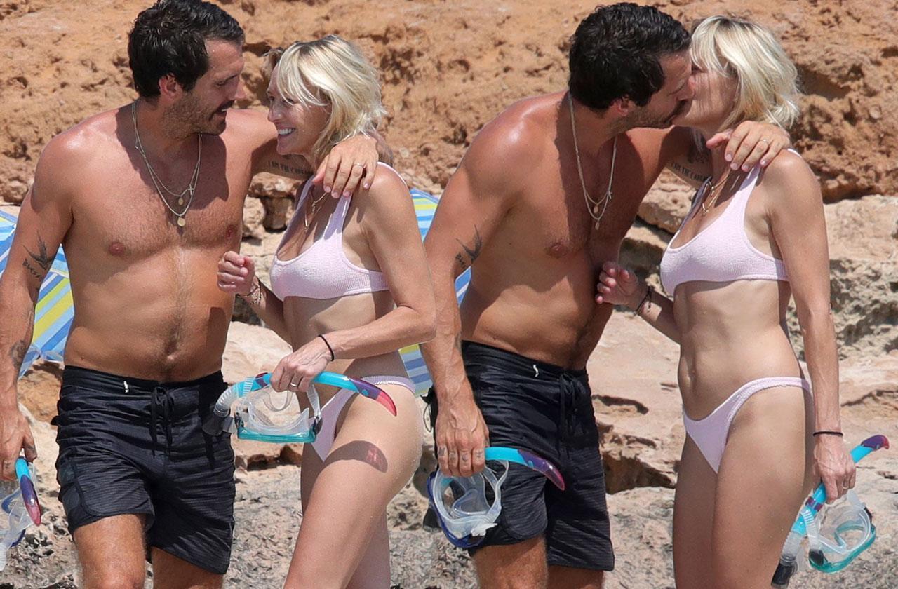 Robin Wright Bikini 52 Husband Honeymoon
