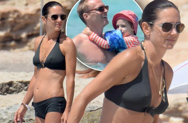//Jennifer Connelly Bikini Paul Bettany Shirtless Vacation pp