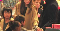 //angelina jolie brad pitt photos kids fao schwarz