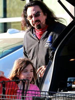 //leonardo dicaprio abducted niece reunited with grandfather george