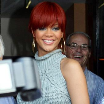 //inf_rihanna_leaves_the____ _