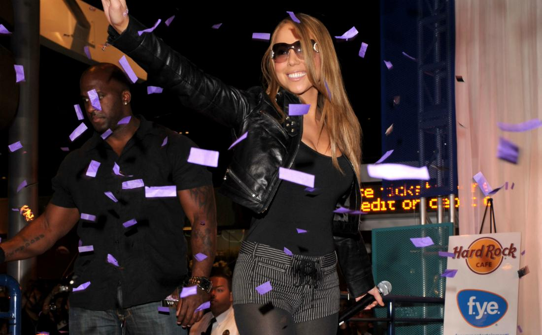 Mariah Carey at an autograph signing session at the Hard Rock.