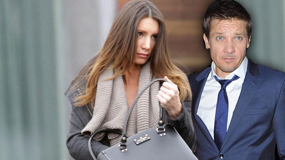 //jeremy renner wife files divorce slider