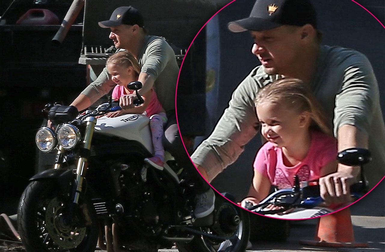 //jeremy renner daughter motorcycle no helmet pp