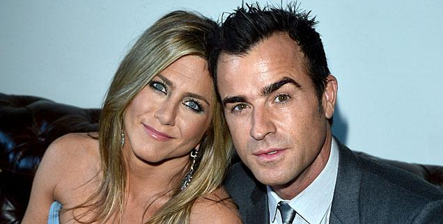 //jennifer aniston justin theroux funny wedding wide