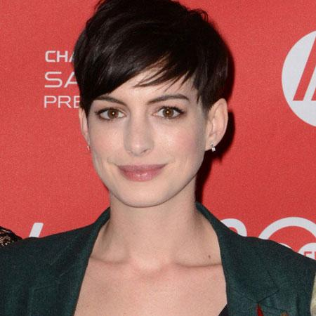 //anne hathaway humble pp