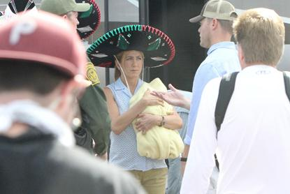 //jennifer aniston were the millers baby sombrero