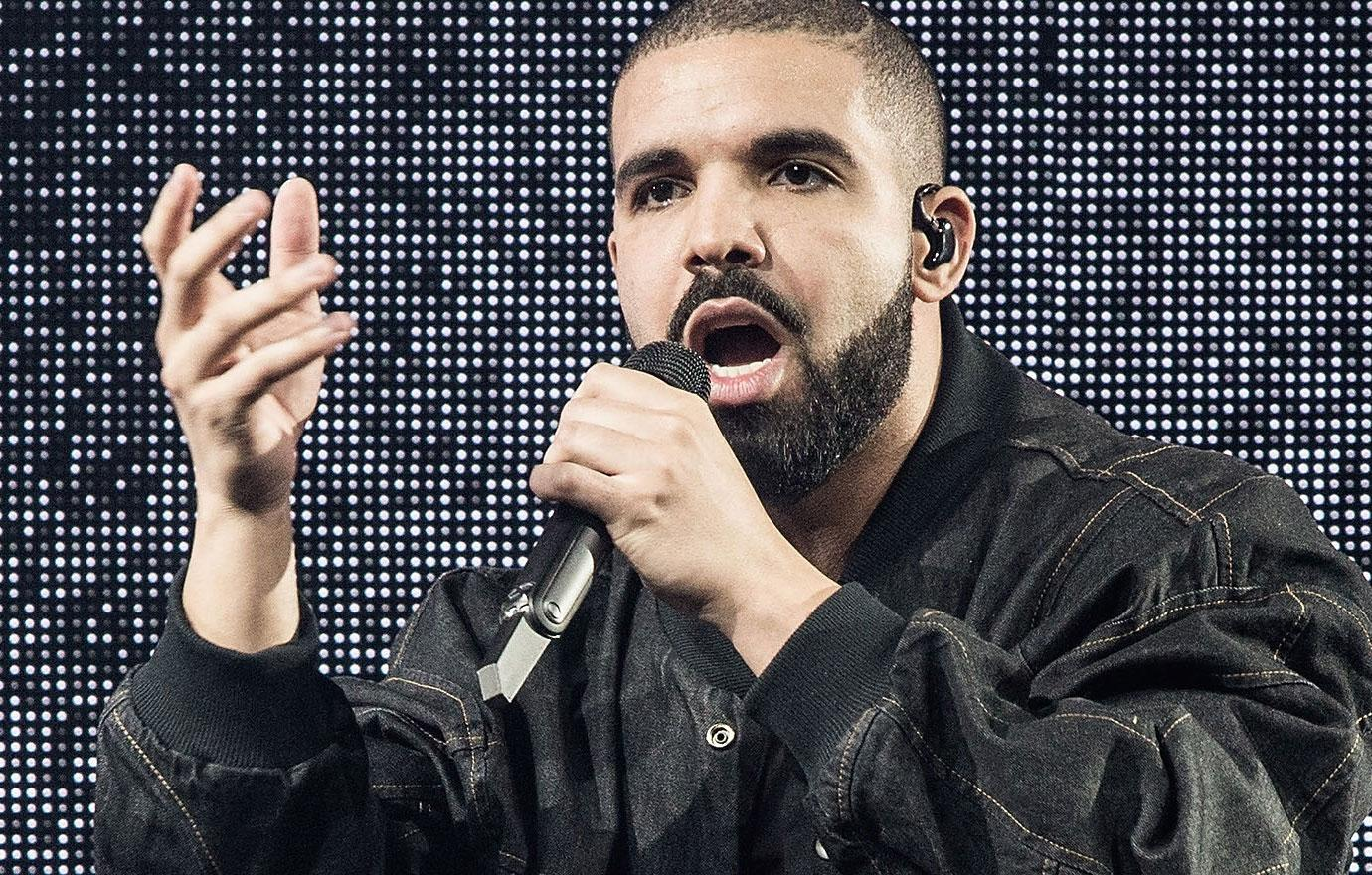 Drake Rushed To Hospital After Collapsing Onstage Apologizes Mystery Illness
