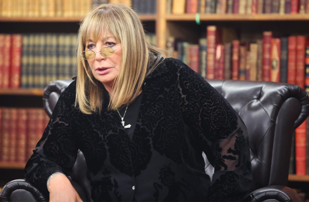 penny marshall dead scandals life tragedies