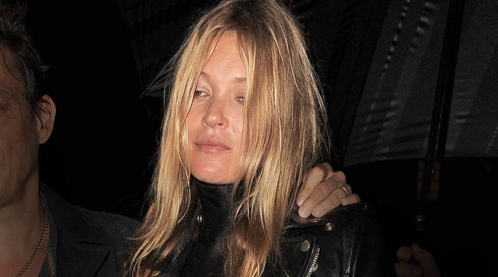 Kate Moss Escorted Off Plane