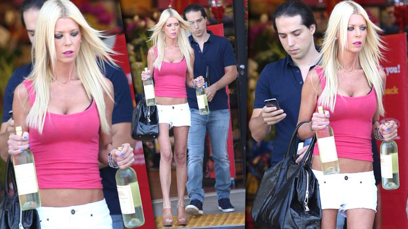 //tara reid double fisting at the liquor store pp sl