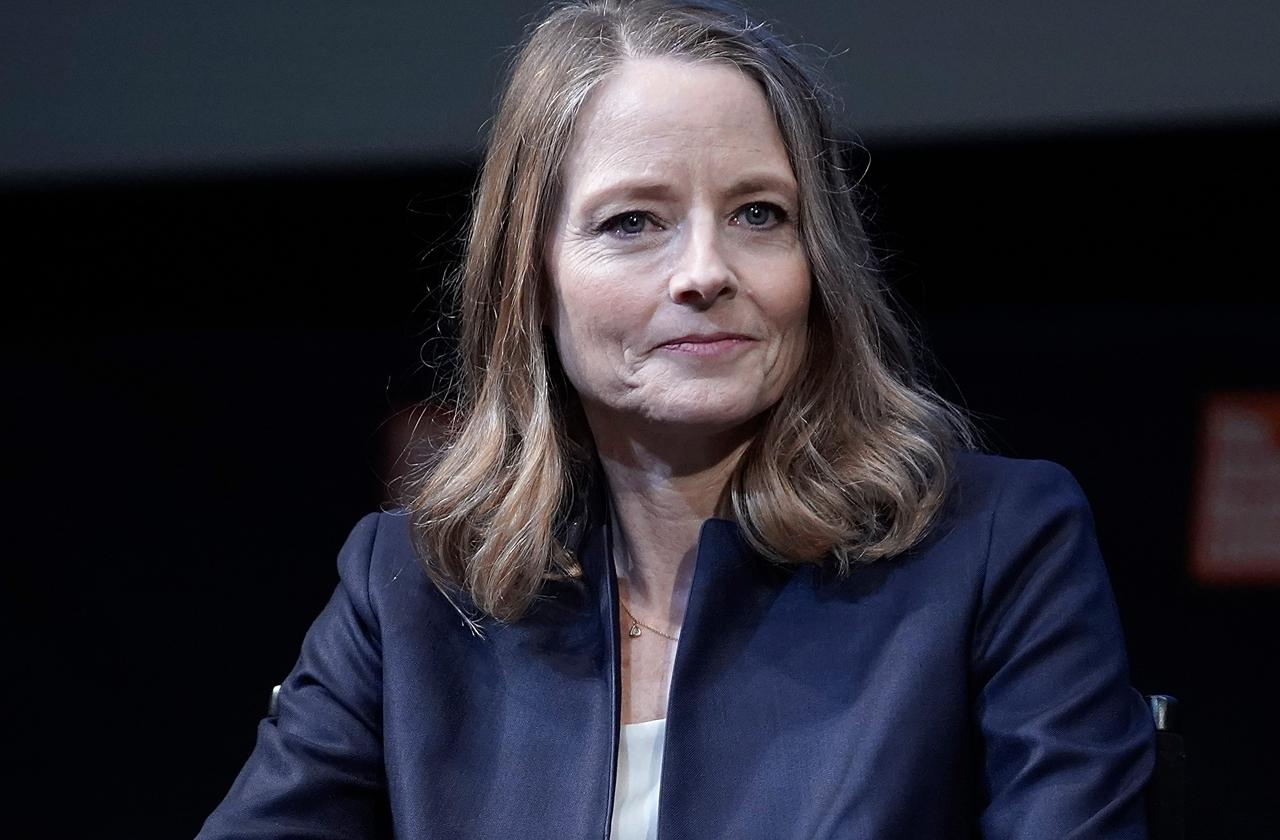 Jodie Foster M.I.A. As She Recovers From Knee Replacement Surgery