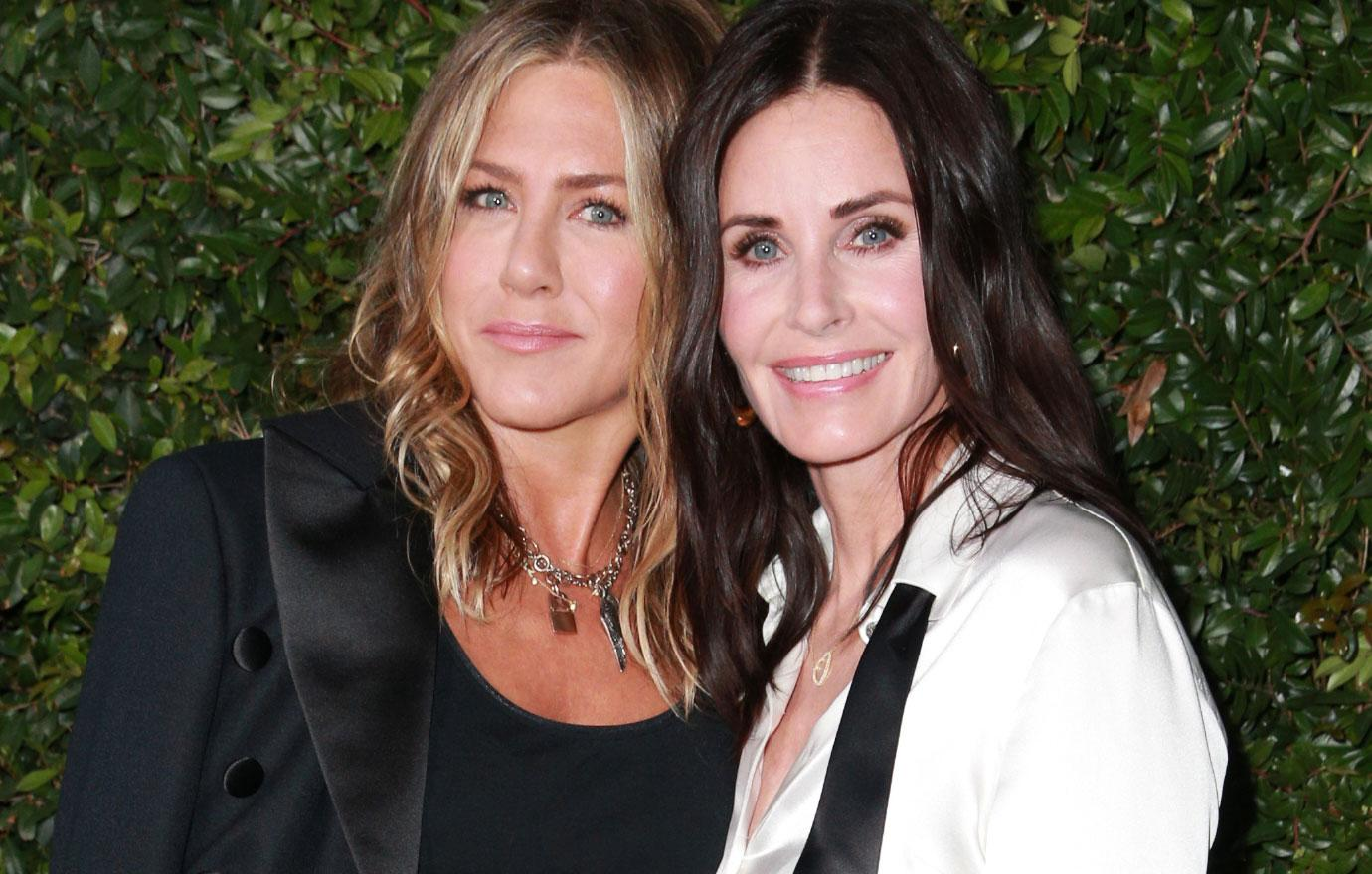Jennifer Aniston And Courtney Cox Attend Chanel Dinner
