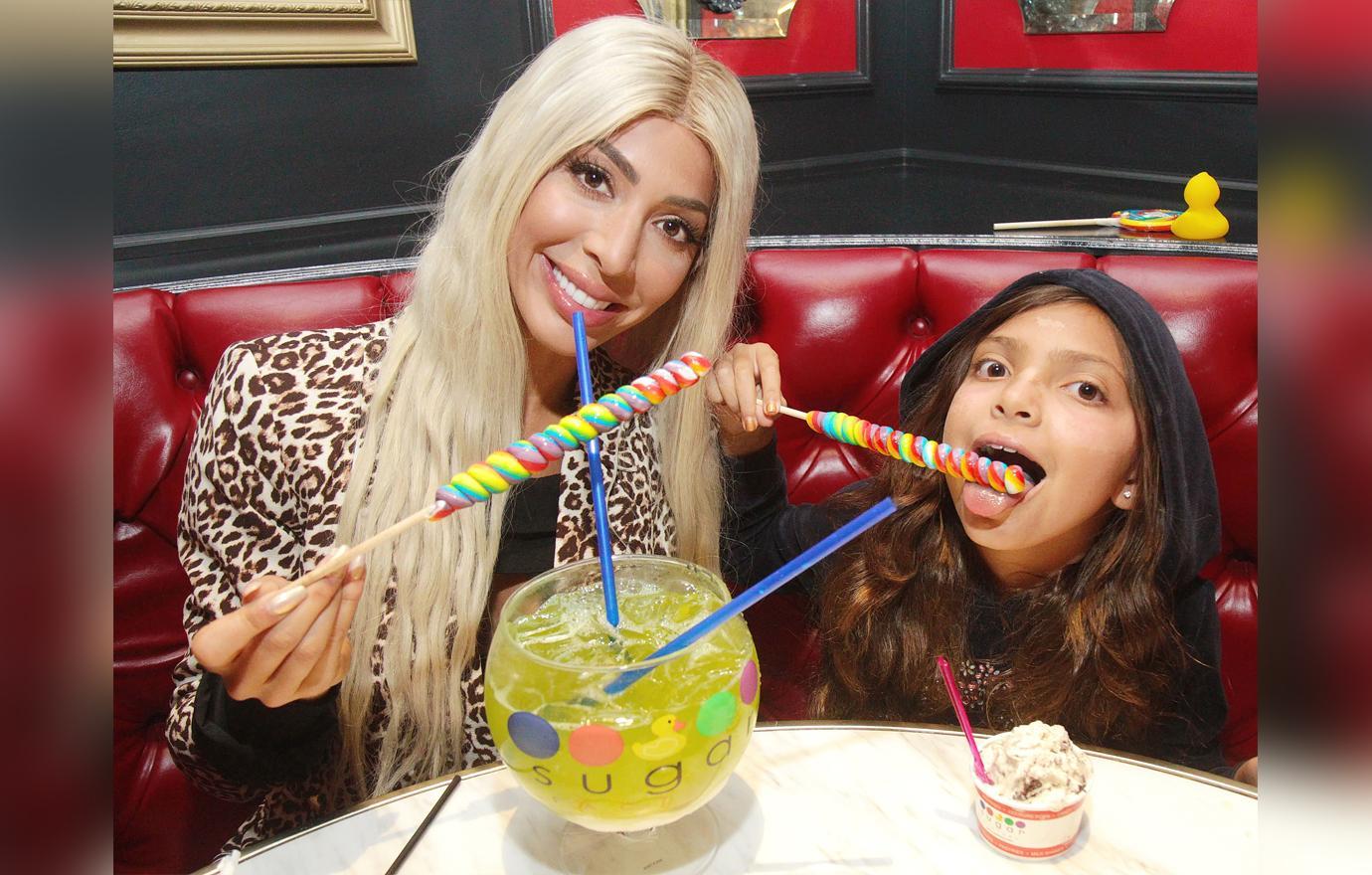 //farrah abraham shares sweet treats with daughter sophia in las vegas pp