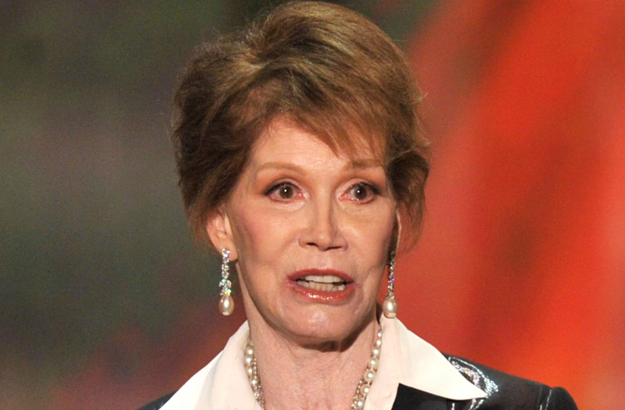 //mary tyler moore book molested sex scandal