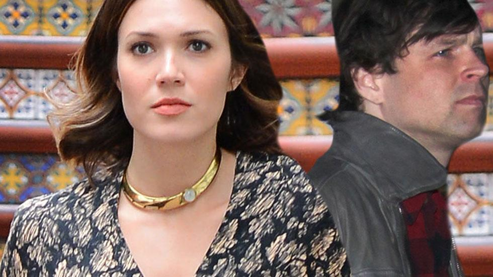Ryan Adams Performs The Same Day Mandy Moore Files For Divorce